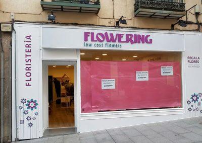 flowering-letras-corporeas-logotipo-troquelado