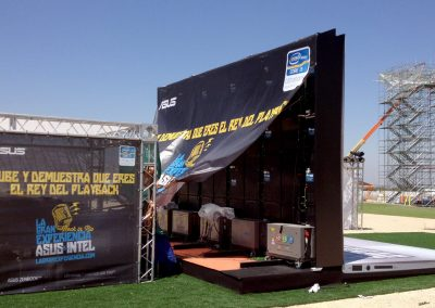 Montaje stand publicitario exterior para Asus Intel