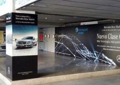 Carteles y lonas para evento de Mercedes Benz