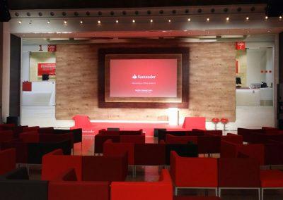 Montaje y decoración de evento para el grupo Santander