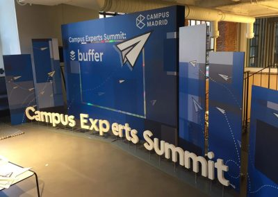 Stand, cartelería y display para Campus Summit