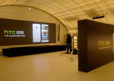 Stand para la presentación del HTC One
