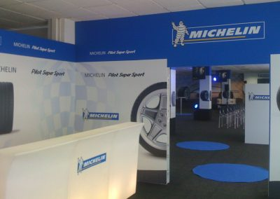 Decoración evento promocional de Michelin con stand