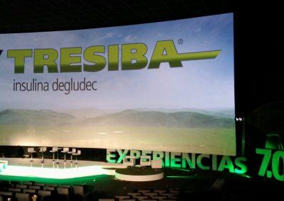 Decoración escenario y cartelería para evento de Tresiba